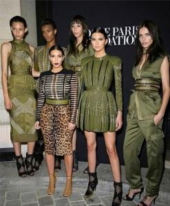 Kim-Kardashian-Paris-Fashion-Week-Balmain-Valentino-Instagram19